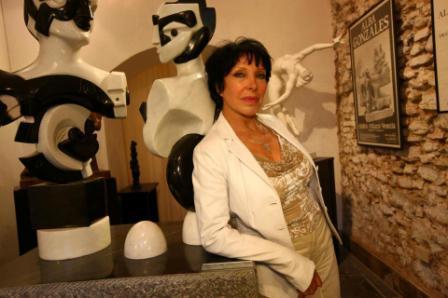 Alba Gonzales opere